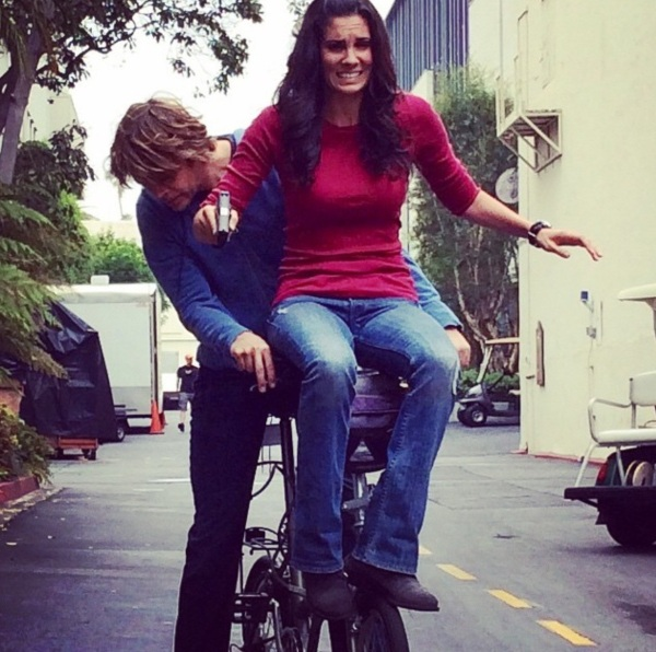 Behind the scenes of #ncisla. A perfect example of the level of trust and belief that @danielaruah has with me in all things life threatening. #couldsheseriouslylookanyterrified #newepisodeTONIGHT