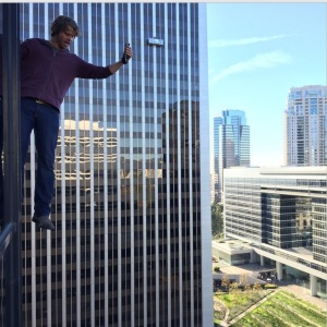 Larry Teng:  Deeks being The Man... 16 stories high with all of #CAA looking on. @ericcolsen #ncisla